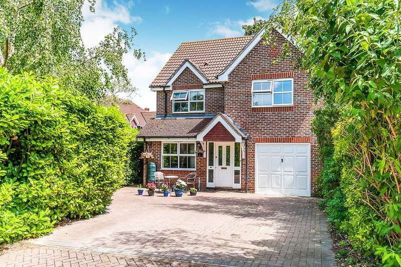 4 Bedrooms Detached House for sale in Selwyn Drive, Broadstairs, CT10