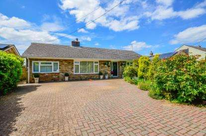 4 Bedrooms Bungalow for sale in Balsham, Cambridge, Cambridgeshire