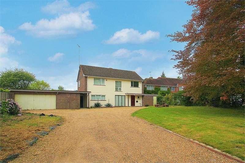 3 Bedrooms Detached House for sale in Blackpond Lane, Farnham Royal, Buckinghamshire