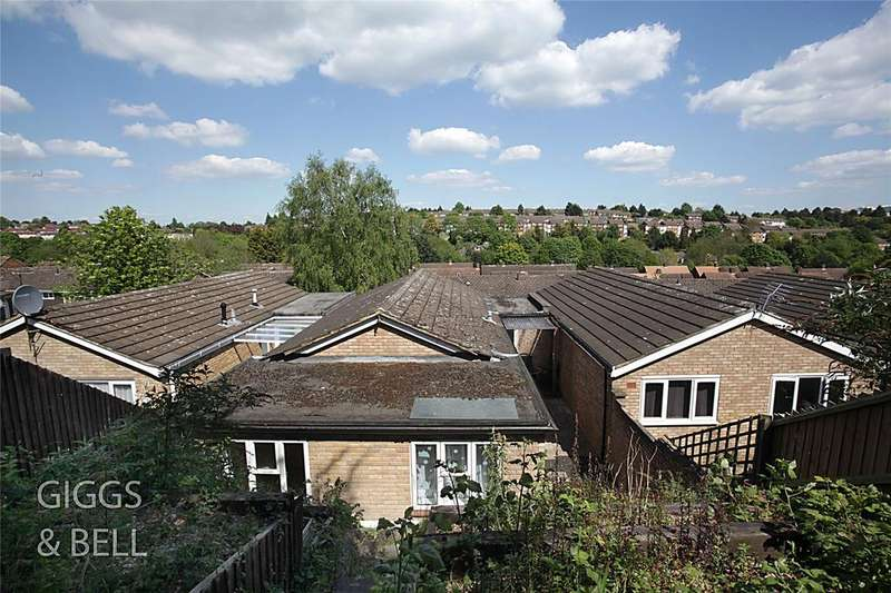 3 Bedrooms Detached Bungalow for sale in Devon Road, Luton, Bedfordshire, LU2