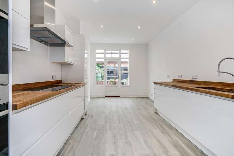 3 Bedrooms Terraced House for sale in Bollo Lane, London, W4