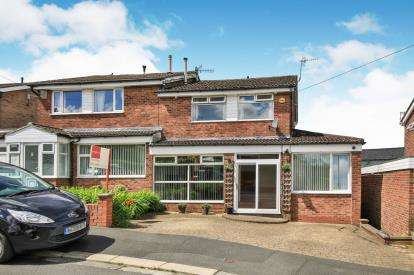 4 Bedrooms Semi Detached House for sale in Green Close, Burnley, Lancashire