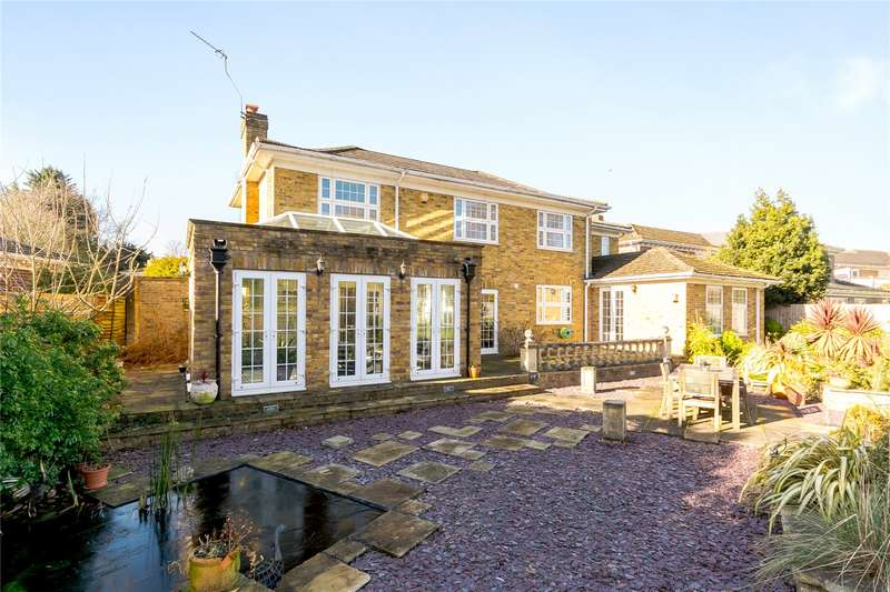 5 Bedrooms Detached House for sale in Watermans Way, Wargrave, Reading, Berkshire, RG10