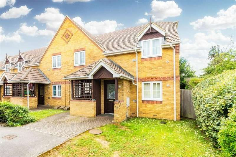 2 Bedrooms Maisonette Flat for sale in Dickens Place, Colnbrook, Berkshire