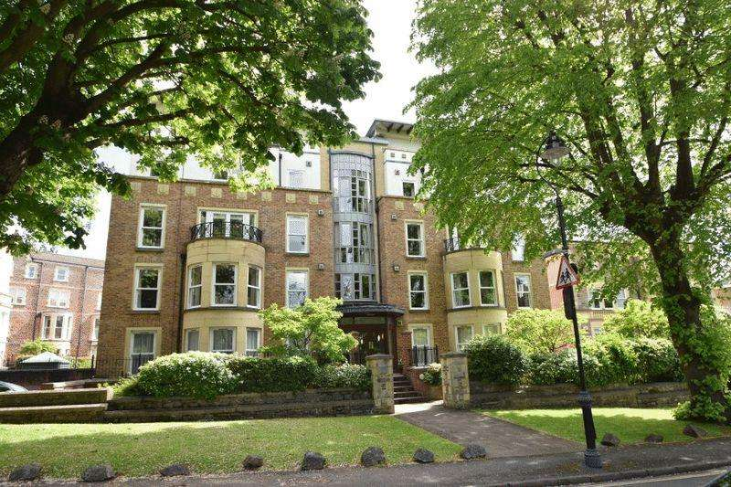 3 Bedrooms Apartment Flat for sale in The Avenue, Clifton