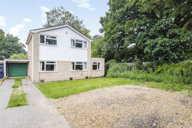 4 Bedrooms House for sale in Firtree Close, Sandhurst, Berkshire, GU47