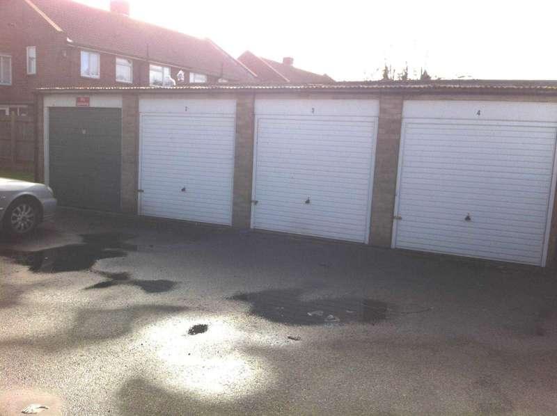 Garages Garage / Parking for rent in Winston Crescent, Eastbourne