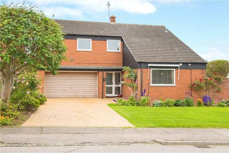 4 Bedrooms Detached House for sale in Huntsmans Way, Milton Ernest, Bedford, Bedfordshire