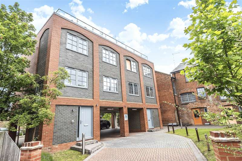 3 Bedrooms Semi Detached House for sale in The Old British School, 153 Southampton Street, Reading, Berkshire, RG1