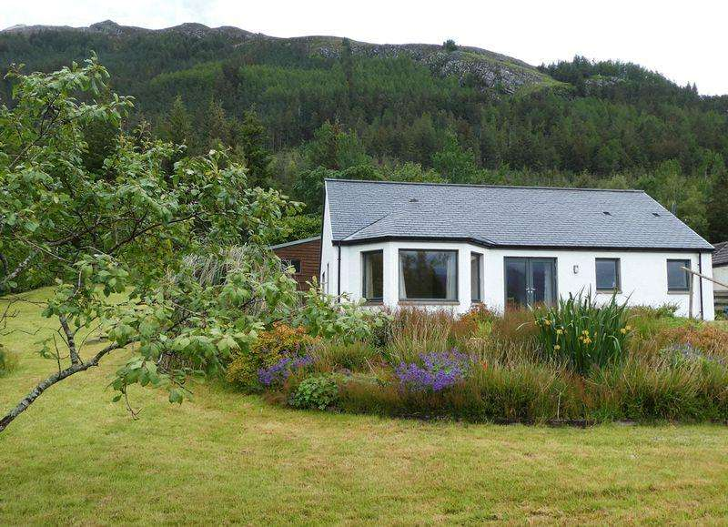 2 Bedrooms Detached Bungalow for sale in Inverinate, Kyle
