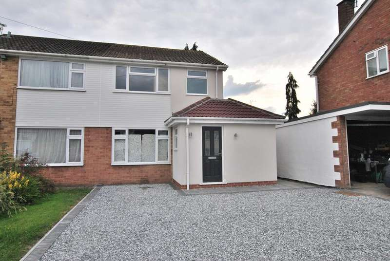 4 Bedrooms Semi Detached House for sale in Appletree Lane, Spencers Wood, Reading, RG7 1EF