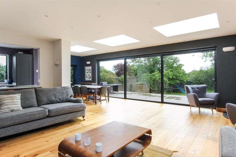 5 Bedrooms Detached House for rent in Queens Road, Tankerton, Whitstable