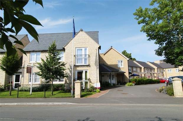1 Bedroom Flat for sale in Somerford Road, Cirencester, Gloucestershire
