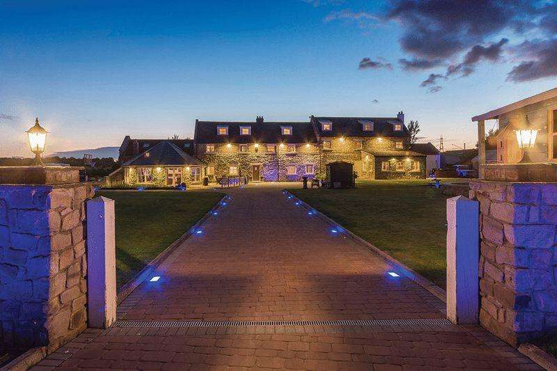 6 Bedrooms Detached House for sale in The Stables, Newton Garth, East Boldon
