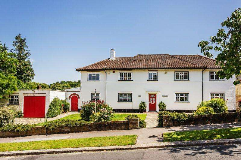 6 Bedrooms Detached House for sale in Winchelsey Rise, South Croydon