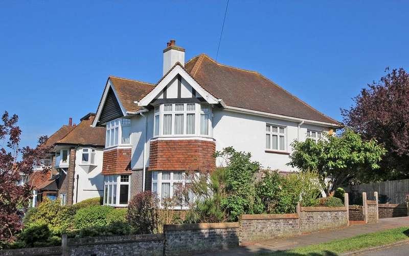 4 Bedrooms Detached House for sale in Surrenden Road, Brighton BN1