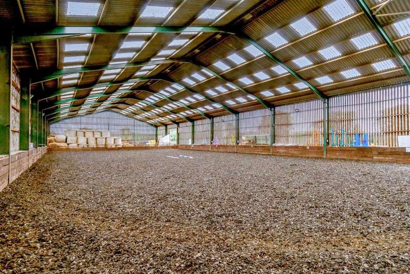 4 Bedrooms Equestrian Facility Character Property for sale in The Stables Equestrian Centre, Wilstead