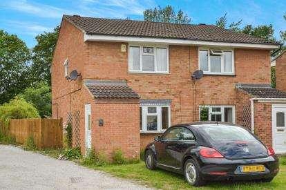 2 Bedrooms Semi Detached House for sale in Hilliard Drive, Bradwell, Milton Keynes, Bucks