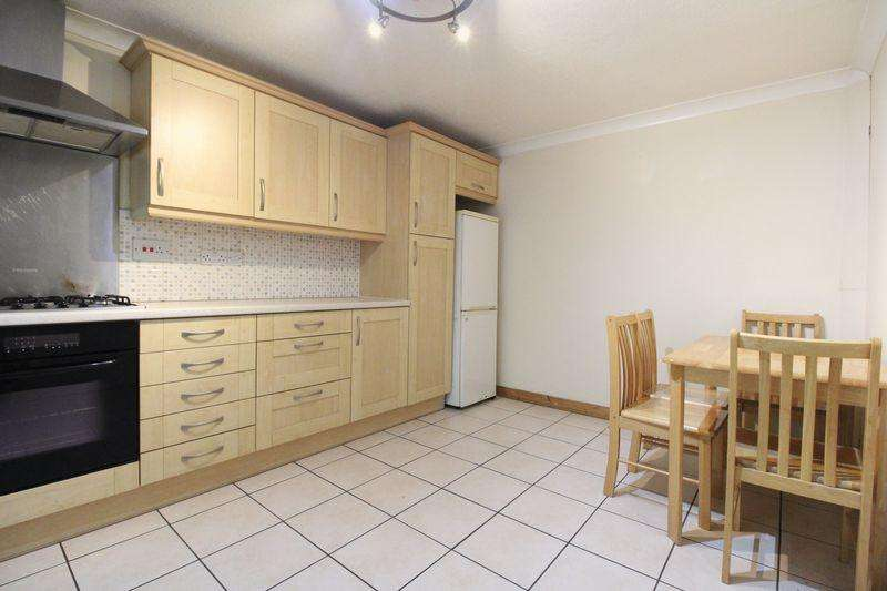 3 Bedrooms Semi Detached House for sale in WALKING DISTANCE TO TOWN CENTRE on Crawley Green Road