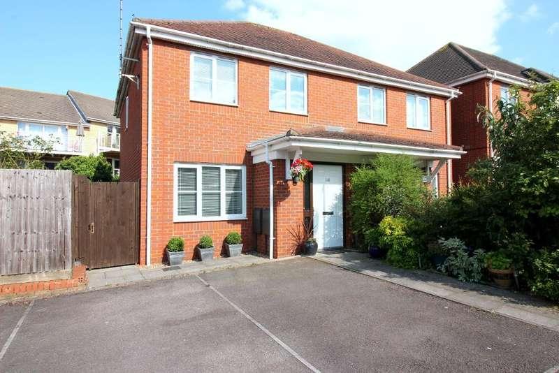 2 Bedrooms Semi Detached House for sale in Primrose Close, Luton, Bedfordshire, LU3 1EZ