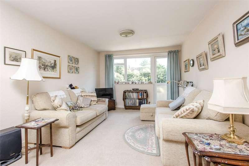 3 Bedrooms Maisonette Flat for sale in Buckingham Court, Darlaston Road, London, SW19