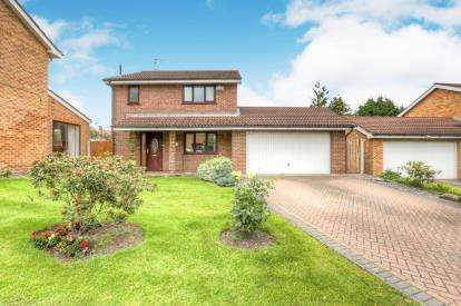 4 Bedrooms Detached House for sale in Hickton Drive, Altrincham, Greater Manchester