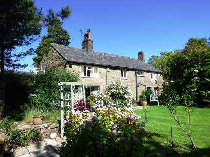 3 Bedrooms Detached House for sale in Buxton Old Road, Disley, Stockport, Cheshire