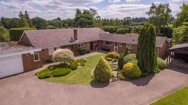 6 Bedrooms Detached Bungalow for sale in London Road, Hitchin, SG4