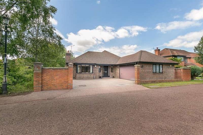 3 Bedrooms Detached Bungalow for sale in Greystoke Park, Gosforth, Newcastle upon Tyne