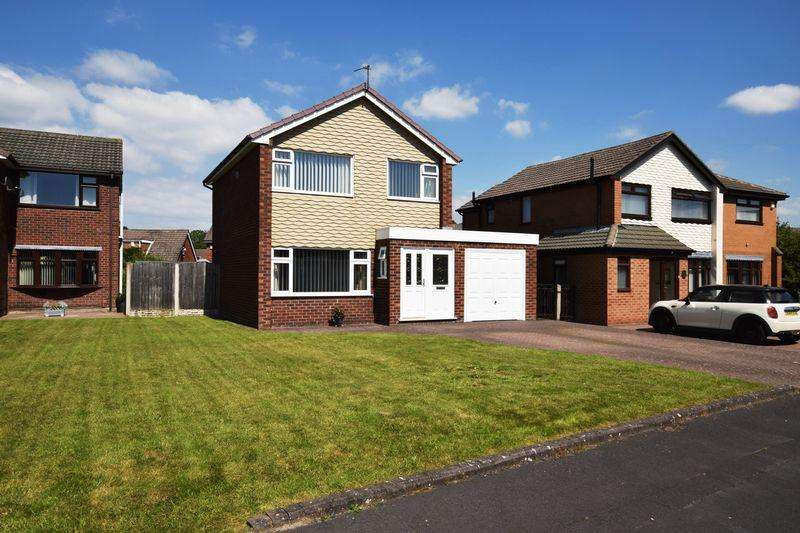 3 Bedrooms Detached House for sale in Tarvin Close, Higher Runcorn