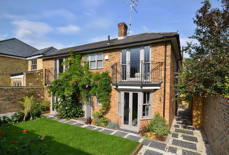 3 Bedrooms House for sale in 11 High Street, Thames Ditton, KT7