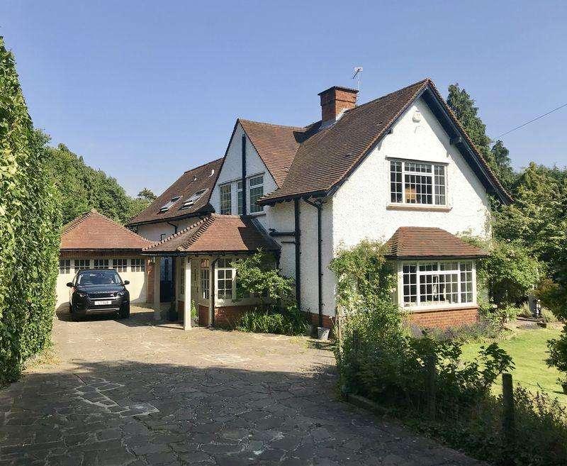 5 Bedrooms House for sale in Blackpond Lane, Farnham Royal, Buckinghamshire SL2