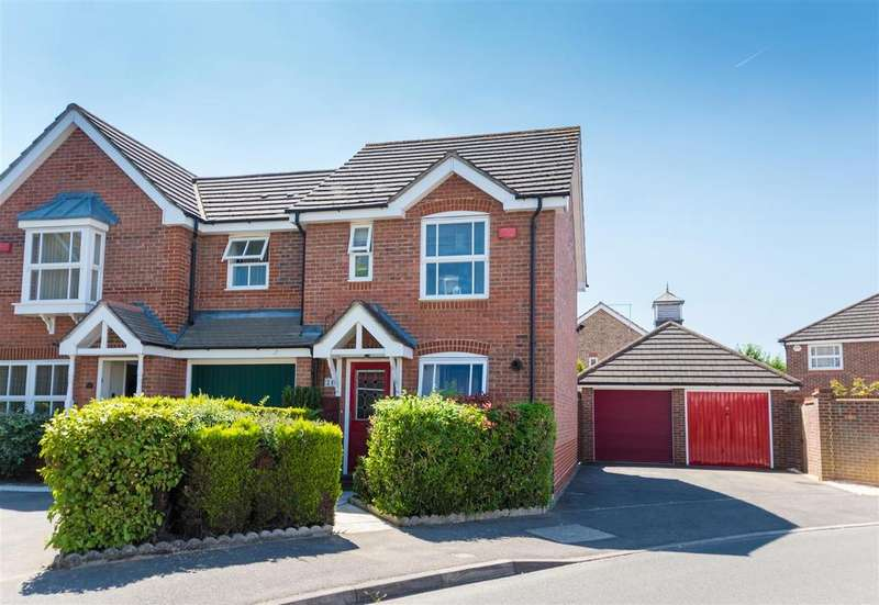 2 Bedrooms Semi Detached House for sale in Eltham Avenue, Cippenham