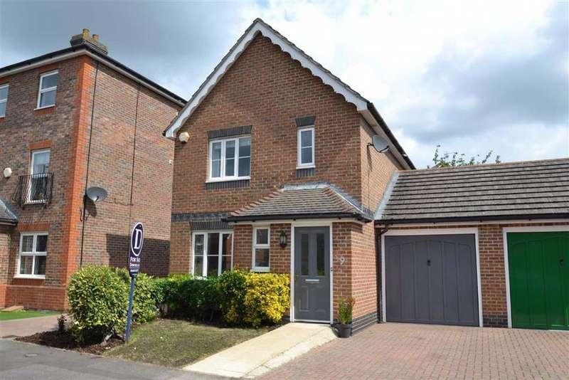 3 Bedrooms Link Detached House for sale in Leonardslee Crescent, Newbury, Berkshire, RG14