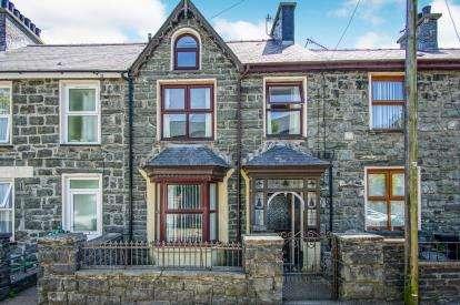 3 Bedrooms Terraced House for sale in Manod Road, Blaenau Ffestiniog, Gwynedd, LL41