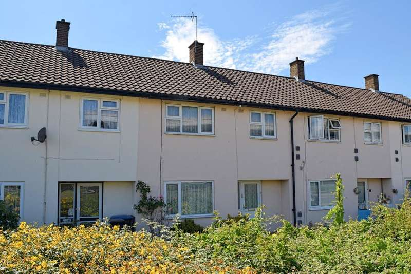 3 Bedrooms Terraced House for sale in Sharpecroft, Harlow, Essex, CM19 4AA