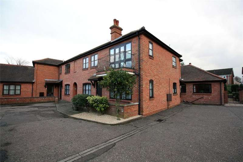 3 Bedrooms Maisonette Flat for rent in Victoria Court, Lexden Road, Colchester, Essex, CO3
