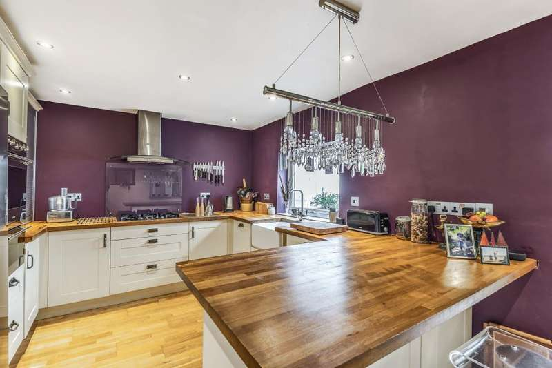 3 Bedrooms House for sale in Chapel Street, Thatcham, RG18