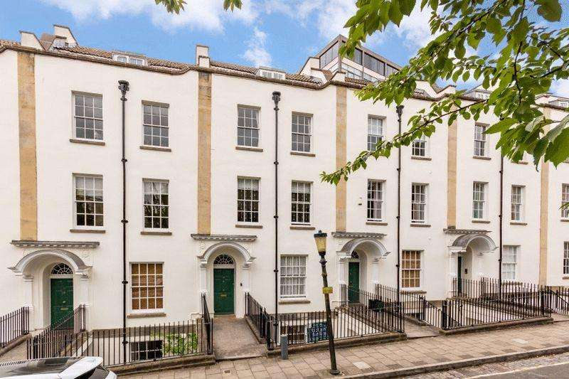 2 Bedrooms Apartment Flat for sale in Park Place, Clifton