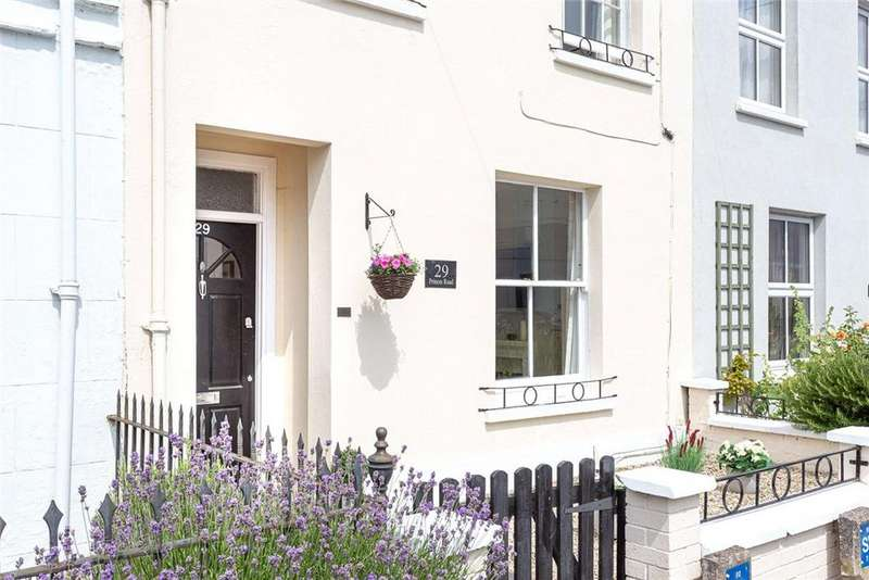 2 Bedrooms Terraced House for sale in Princes Road, Cheltenham, Gloucestershire, GL50