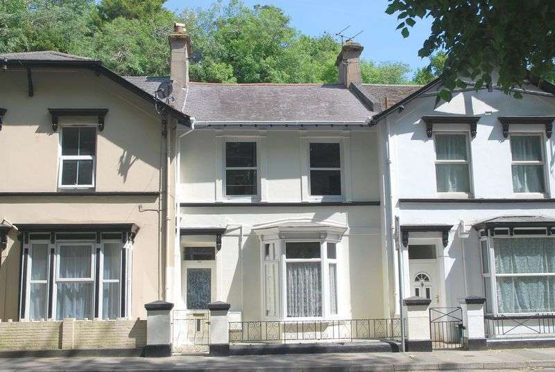 3 Bedrooms Property for sale in Lymington Road, Torquay