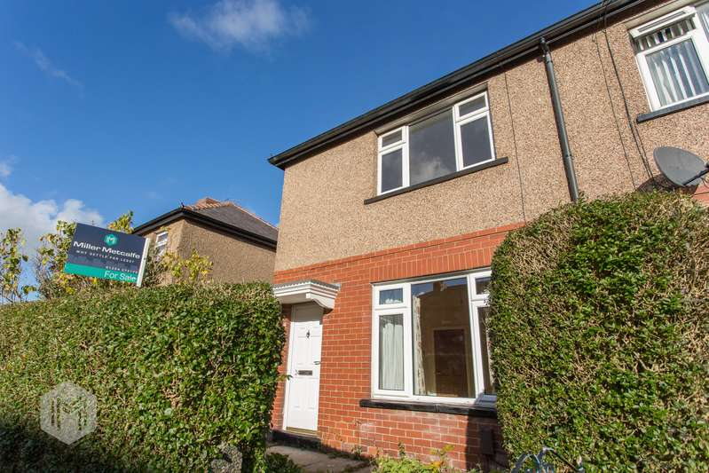 2 Bedrooms Semi Detached House for sale in Catherine Street West, Horwich, Bolton, BL6