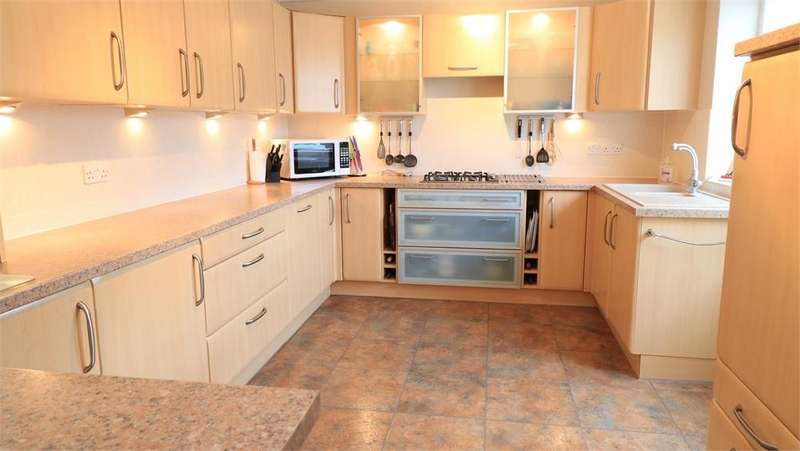 4 Bedrooms Chalet House for sale in 3 Wood Lane, THURLBY, BOURNE, Lincolnshire