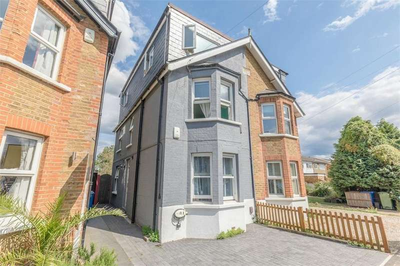 3 Bedrooms Semi Detached House for sale in Albany Road, Old Windsor, Berkshire