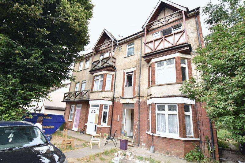 9 Bedrooms Block Of Apartments Flat for sale in Waller Avenue, Luton