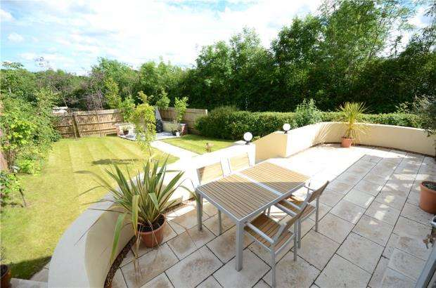 4 Bedrooms Detached House for sale in Checkendon, Reading, Oxfordshire