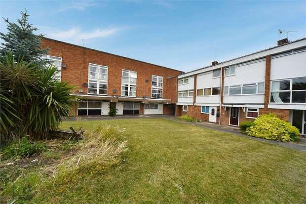 1 Bedroom Flat for sale in Colleton Drive, Twyford, Reading, Berkshire
