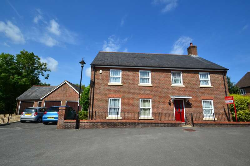 4 Bedrooms Detached House for sale in Lytchett Minster