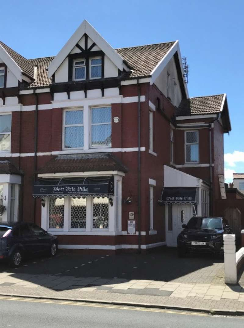 15 Bedrooms Hotel Gust House for sale in Reads Avenue Central Blackpool