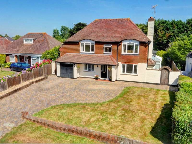 4 Bedrooms Detached House for sale in Pigeonhouse Lane, Rustington